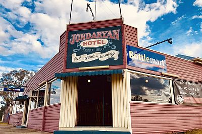 3 Iconic Aussie Pubs Currently For Sale