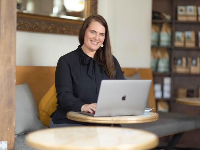 Buying a Business Vanessa Lovie - Bsale CEO